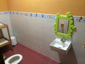 Lavabo y espejo aseo infantil | www.migranfiesta.es