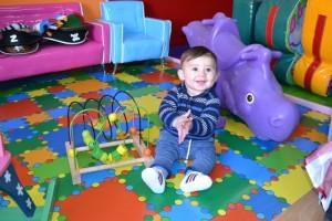 Niño jugando   www.migranfiesta.es